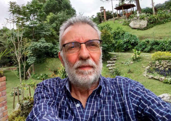 Jorge Enrique Esguerra, Columnista